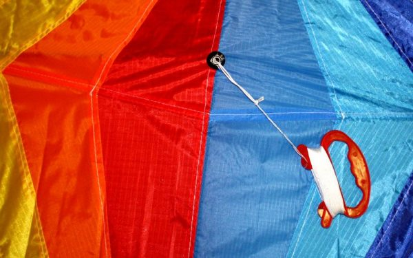 String detail of single string kids diamond kites for sale